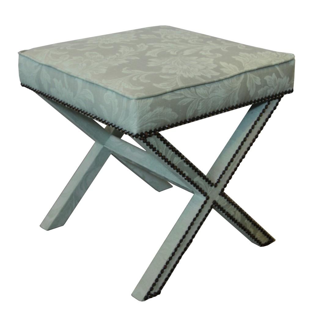 banco_aqua_tachuelas_madera_comodo_diseño_estilo_decoracion_muebles_hogar_casa_1