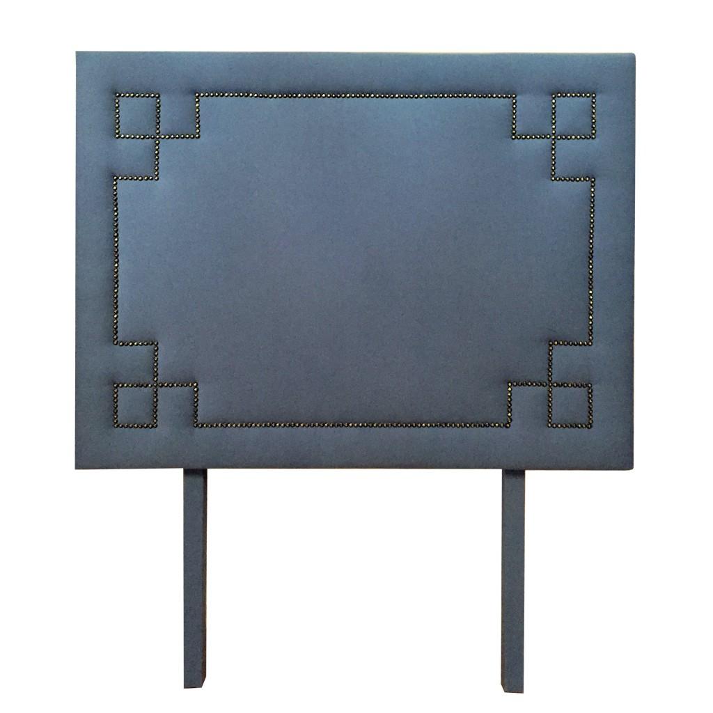 cabecera_azul_francia_regeroy_recamara_tachuelas_figuras_cuadros_patas_madera_colchon_muebles_decoracion_interiores_1