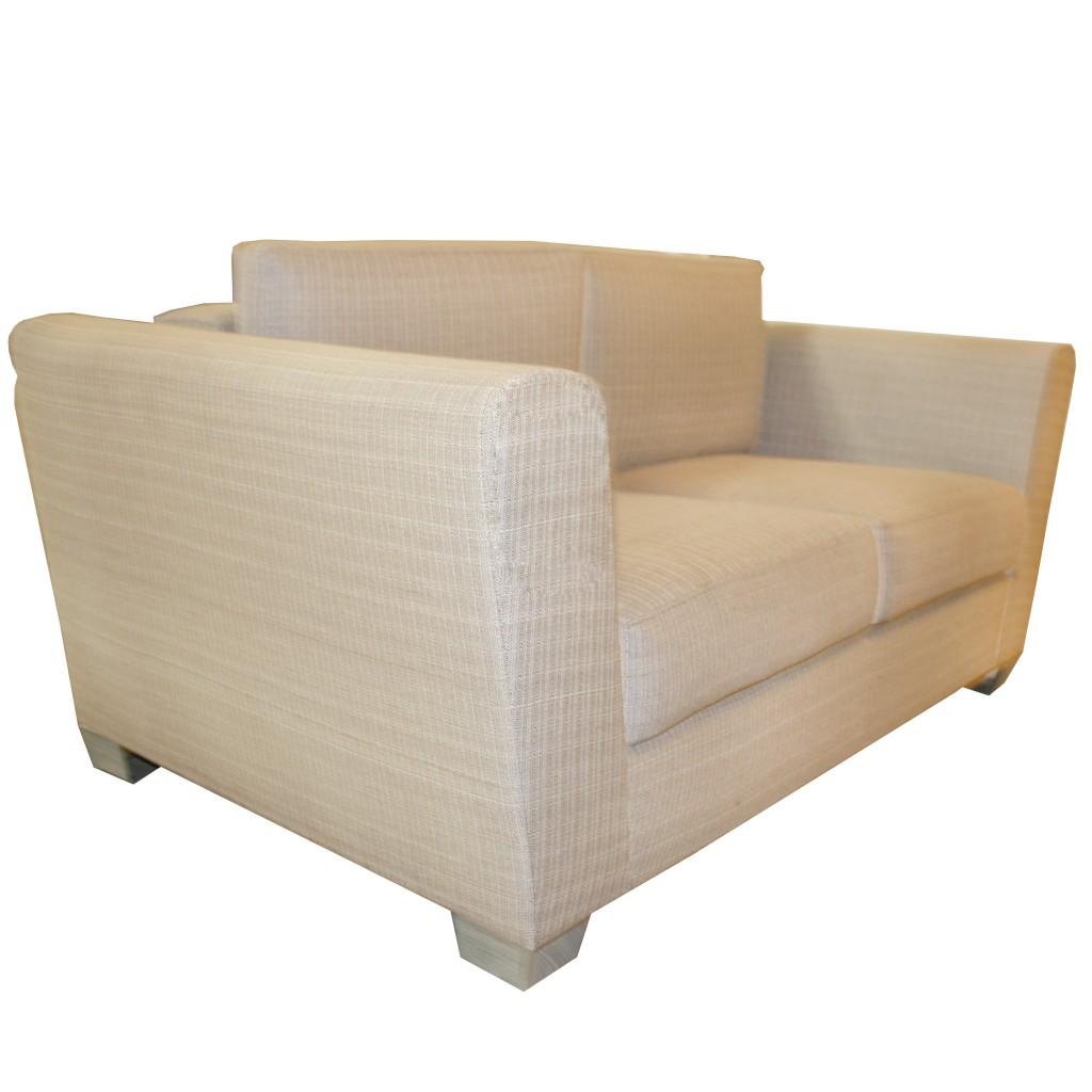 loveseat_carrasco_comodo_cafe_patas_metal_muebles_decoracion_estilo_diseño_hogar_casa_1